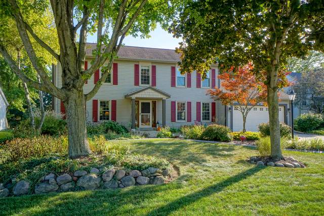 N58W24527 W Clover Dr, Sussex, WI 53089 (#1766734) :: RE/MAX Service First