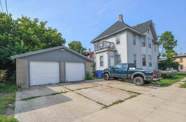 301 S Second St, Watertown, WI 53094 (#1766817) :: EXIT Realty XL
