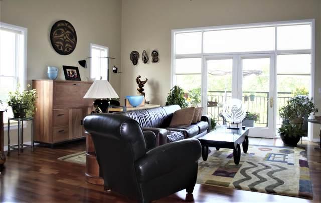 1717 E Kensington Blvd #404, Shorewood, WI 53211 (#1766972) :: Tom Didier Real Estate Team