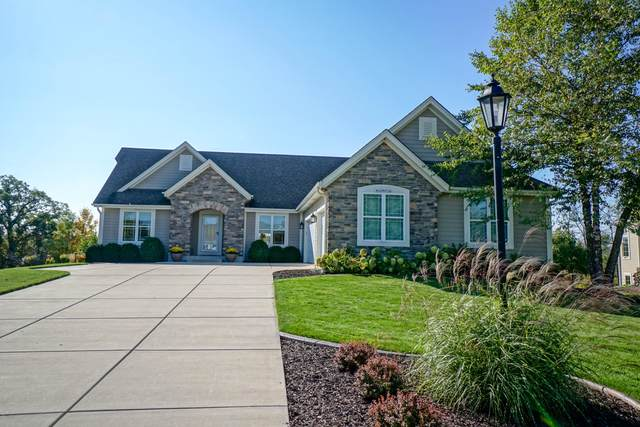 W243N2704 Creekside Ct, Pewaukee, WI 53072 (#1766990) :: EXIT Realty XL
