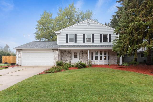 4135 S Adell Ave, New Berlin, WI 53151 (#1767154) :: Keller Williams Realty - Milwaukee Southwest