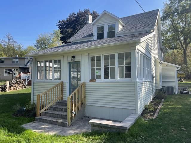 1714 South Shore Dr, Delavan, WI 53115 (#1767155) :: RE/MAX Service First
