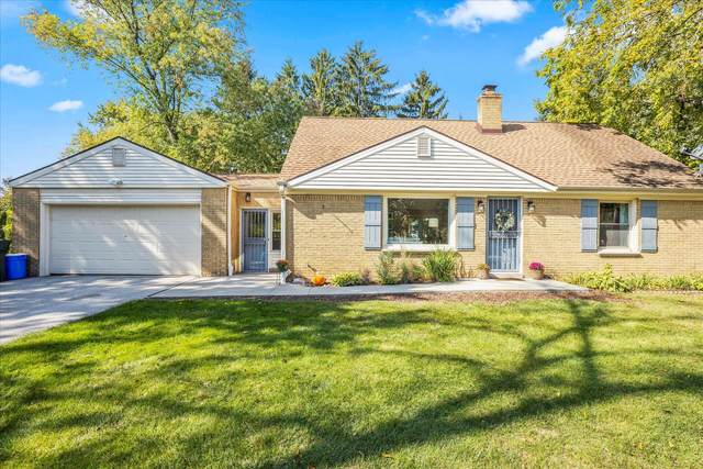 1415 N 124th St, Elm Grove, WI 53122 (#1767215) :: RE/MAX Service First