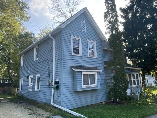 319 W Van Buren St, Port Washington, WI 53074 (#1767225) :: Tom Didier Real Estate Team