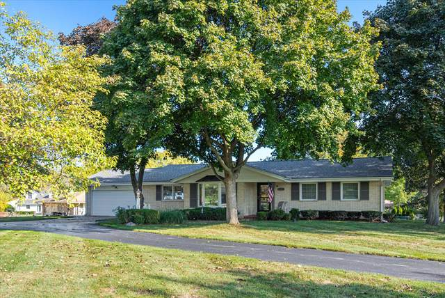 10336 Brookside Dr, Hales Corners, WI 53130 (#1767237) :: EXIT Realty XL