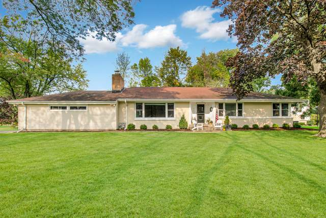 9102 N Lake Dr, Bayside, WI 53217 (#1767240) :: RE/MAX Service First