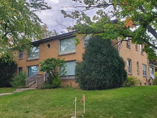 5200 N Mohawk Ave, Glendale, WI 53217 (#1767342) :: RE/MAX Service First