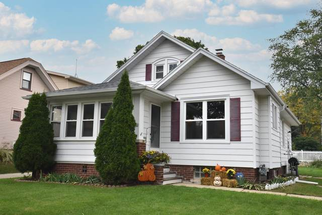 1816 N 72nd St, Wauwatosa, WI 53213 (#1767478) :: RE/MAX Service First