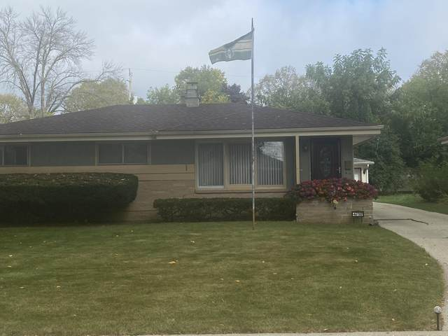 4710 W Kiley Ave, Milwaukee, WI 53223 (#1767492) :: RE/MAX Service First