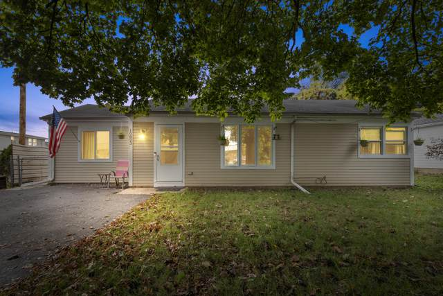 10823 W Rockne Ave, Hales Corners, WI 53130 (#1767552) :: RE/MAX Service First