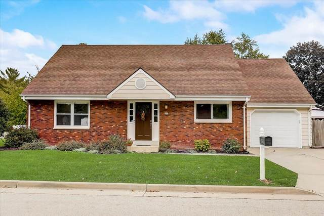 935 N Roosevelt Ave, Oconomowoc, WI 53066 (#1767571) :: RE/MAX Service First