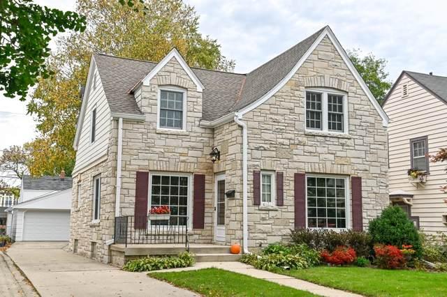 5661 N Bay Ridge Ave, Whitefish Bay, WI 53217 (#1767577) :: Tom Didier Real Estate Team