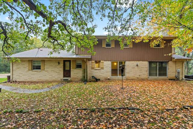 W337S4075 Hidden Valley Dr, Genesee, WI 53118 (#1767578) :: RE/MAX Service First