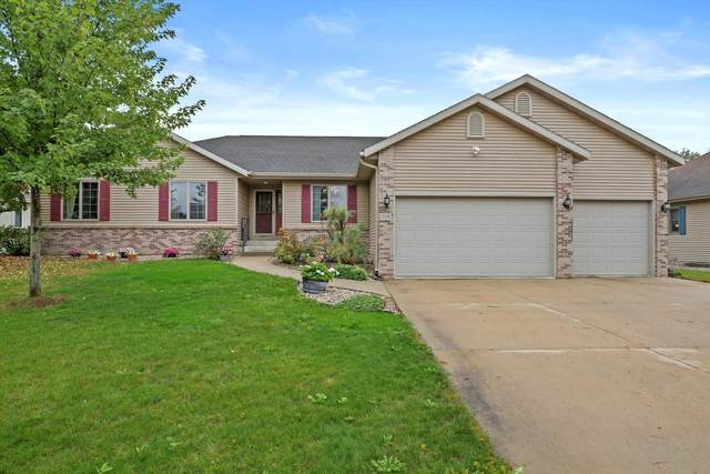 719 Weald Bridge Rd, Cottage Grove, WI 53527 (#1767620) :: Re/Max Leading Edge, The Fabiano Group