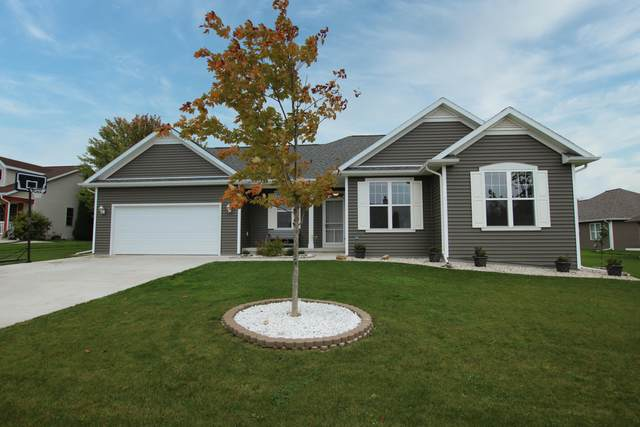 401 Hidden Meadow Dr, Glenbeulah, WI 53023 (#1767647) :: RE/MAX Service First