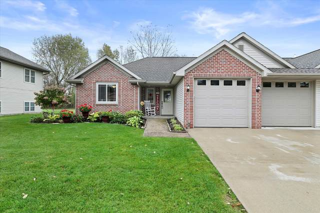 108 Fence Line Ave B, Iron Ridge, WI 53035 (#1767678) :: RE/MAX Service First