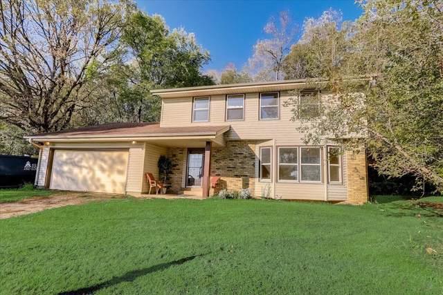 N5785 Lyons Rd, Spring Prairie, WI 53105 (#1767847) :: Keller Williams Realty - Milwaukee Southwest