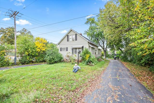 13208 W Hampton Ave, Butler, WI 53007 (#1767853) :: RE/MAX Service First