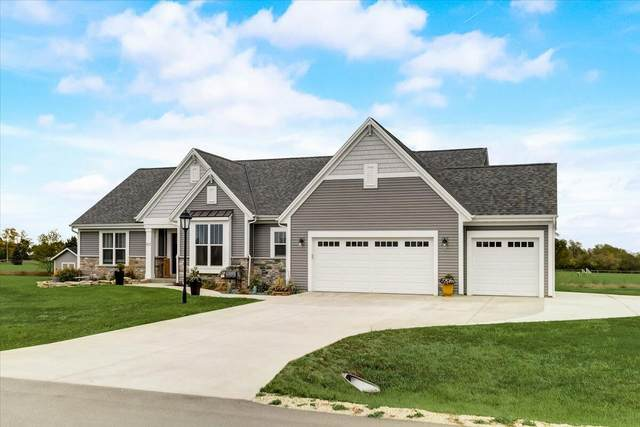 907 Hastings Dr, Eagle, WI 53119 (#1767882) :: Re/Max Leading Edge, The Fabiano Group