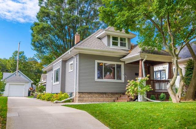 1431 N 66th St, Wauwatosa, WI 53213 (#1767946) :: RE/MAX Service First