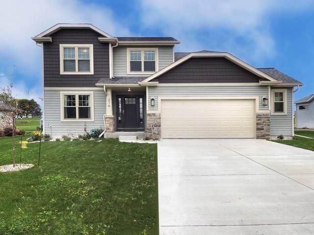 216 Crestview Lane, Lake Mills, WI 53551 (#1768011) :: EXIT Realty XL