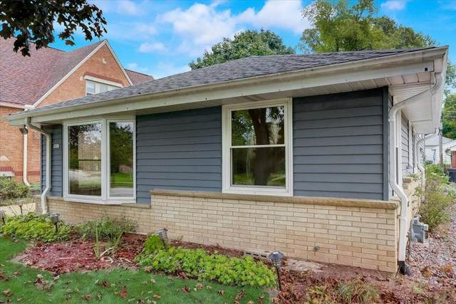 9815 W Grantosa Dr, Wauwatosa, WI 53222 (#1768072) :: RE/MAX Service First