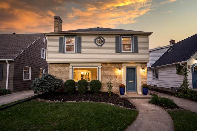2414 N 86th St, Wauwatosa, WI 53226 (#1768109) :: Keller Williams Realty - Milwaukee Southwest