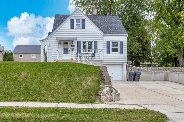 224 Leavens Ave, Sheboygan Falls, WI 53085 (#1768128) :: RE/MAX Service First