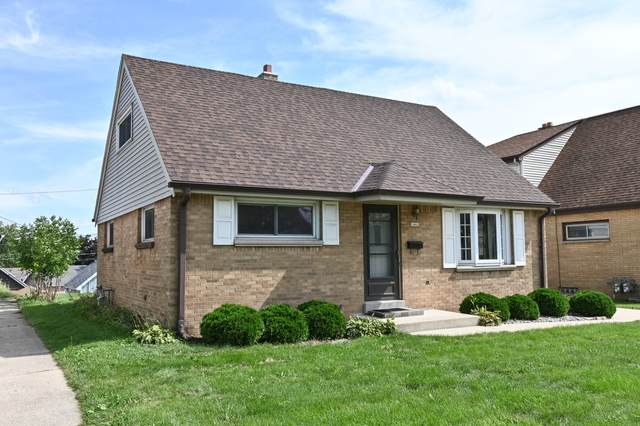 1462 S 96th St, West Allis, WI 53214 (#1768183) :: RE/MAX Service First