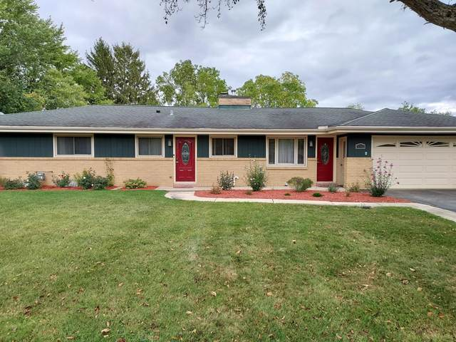 6942 S Phyllis Ln, Franklin, WI 53132 (#1768209) :: RE/MAX Service First