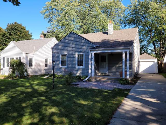 4640 N Woodruff Ave, Whitefish Bay, WI 53211 (#1768214) :: Tom Didier Real Estate Team