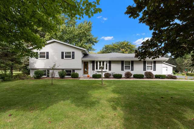 5112 William Tell Dr, Addison, WI 53095 (#1768250) :: RE/MAX Service First