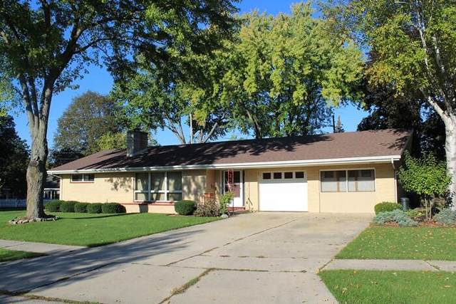 225 Peters Pkwy, Burlington, WI 53105 (#1768253) :: RE/MAX Service First