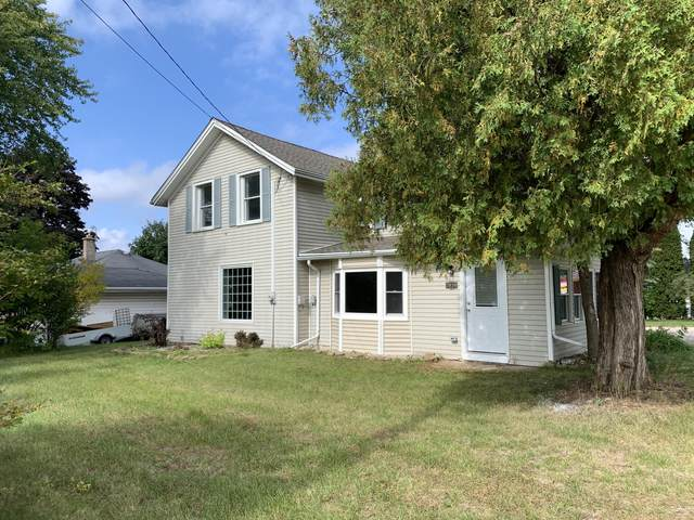 2020 E Washington St, West Bend, WI 53095 (#1768263) :: RE/MAX Service First