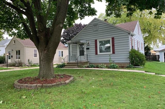 926 S 109th St, West Allis, WI 53214 (#1768271) :: RE/MAX Service First