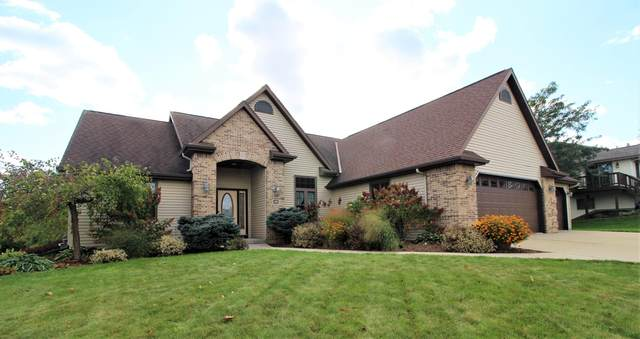 2015 Douglas Dr, Plymouth, WI 53073 (#1768295) :: Re/Max Leading Edge, The Fabiano Group
