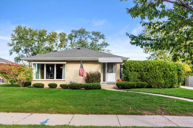 2584 S 91st St, West Allis, WI 53227 (#1768316) :: RE/MAX Service First