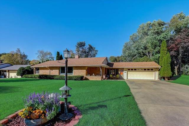 326 Grand Ave, Thiensville, WI 53092 (#1768355) :: Tom Didier Real Estate Team
