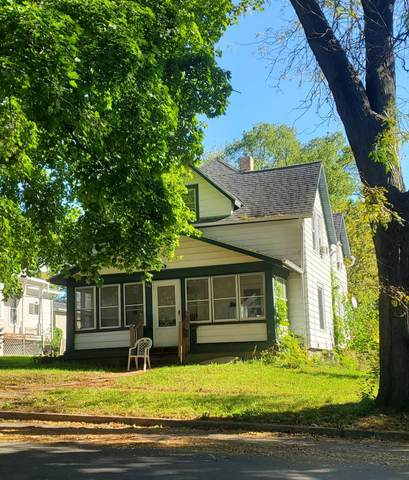 208 Jefferson St, Fort Atkinson, WI 53538 (#1768382) :: RE/MAX Service First