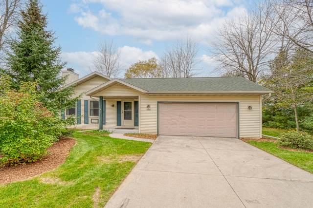 4408 S 18th St, Sheboygan, WI 53081 (#1768423) :: RE/MAX Service First