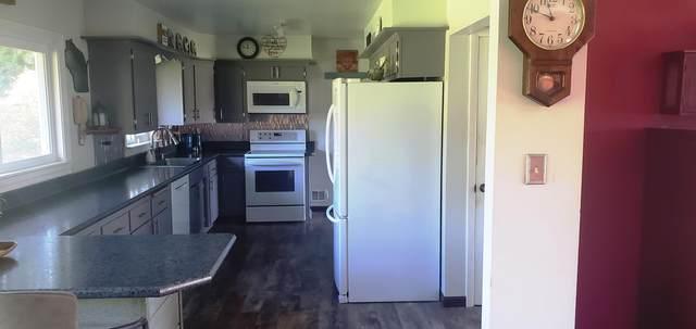 10322 Pioneer Rd, Cedarburg, WI 53012 (#1768458) :: Tom Didier Real Estate Team