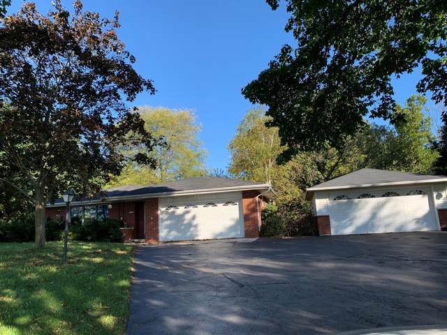 12116 W Donges Bay Rd, Mequon, WI 53097 (#1768469) :: Tom Didier Real Estate Team