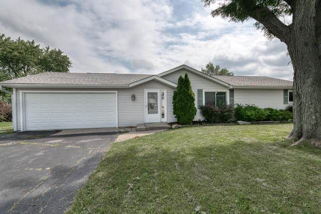 3010 S 132nd St, New Berlin, WI 53151 (#1768535) :: RE/MAX Service First
