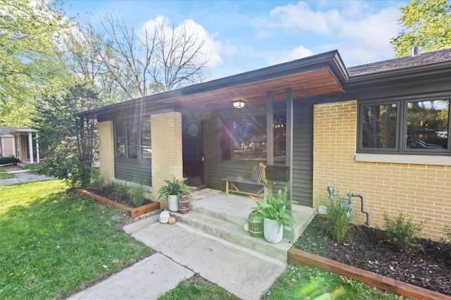 W65N425 Westlawn Ave, Cedarburg, WI 53012 (#1768548) :: Tom Didier Real Estate Team