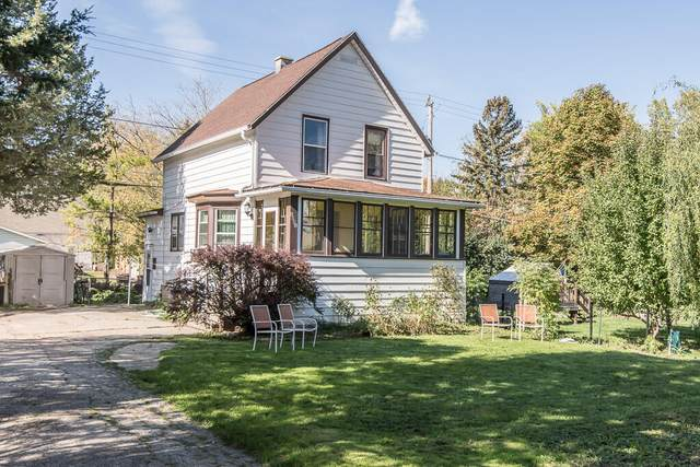 1001 S 96th St, West Allis, WI 53214 (#1768658) :: RE/MAX Service First