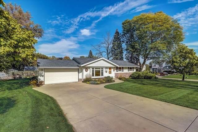13330 James St, Brookfield, WI 53005 (#1768677) :: Keller Williams Realty - Milwaukee Southwest