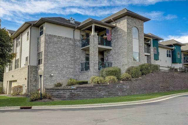 460 N Silverbrook Dr. #208, West Bend, WI 53090 (#1768690) :: RE/MAX Service First