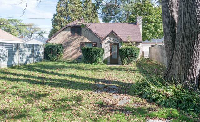 5246 N 26th St, Glendale, WI 53209 (#1768704) :: RE/MAX Service First