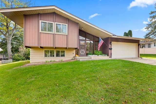 1131 Grove St, Fort Atkinson, WI 53538 (#1768709) :: Keller Williams Realty - Milwaukee Southwest