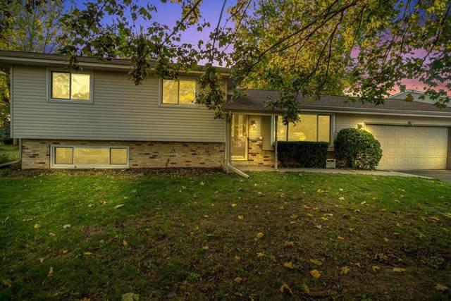 W164N9691 Water St, Germantown, WI 53022 (#1768720) :: Ben Bartolazzi Real Estate Inc